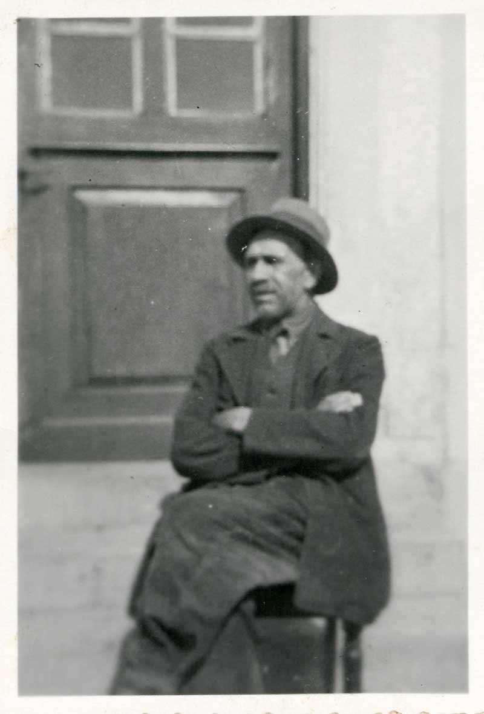 Erwerb der deutschen Reichsangehörigkeit: Alfred Brugger (geb. 16. Juni 1881), Basel-Stadt, mit Familie in Hochsal, Alfred Brugger