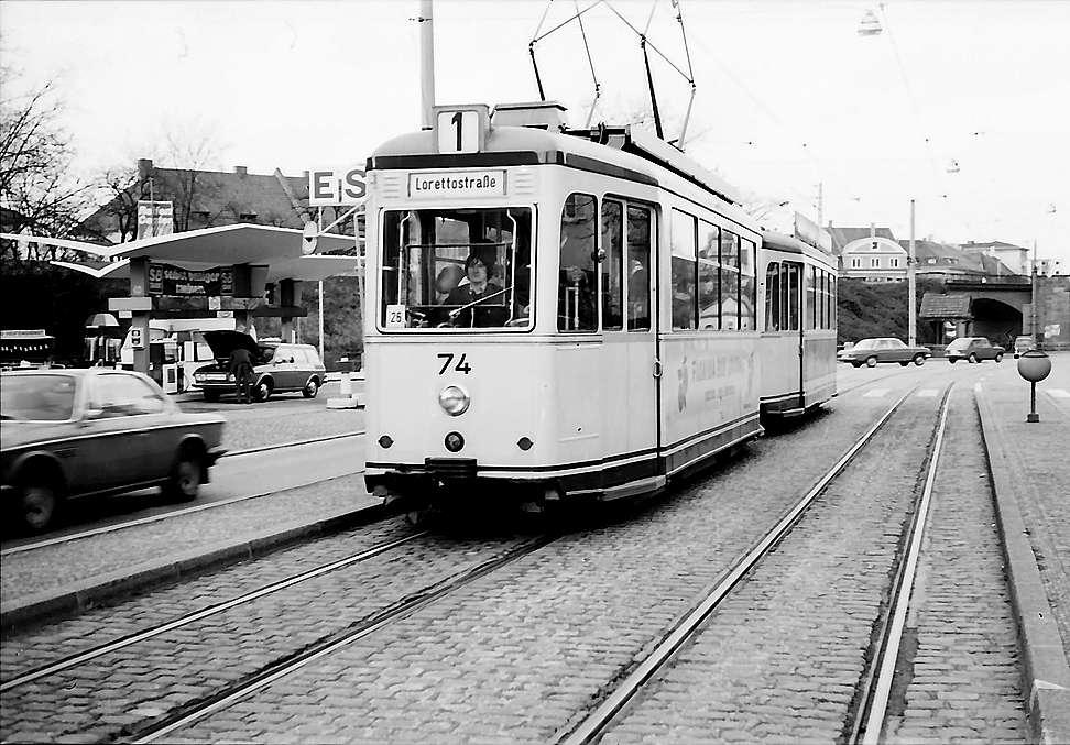 Freiburg i. Br.: Straßenbahn auf Strecke, Bild 1