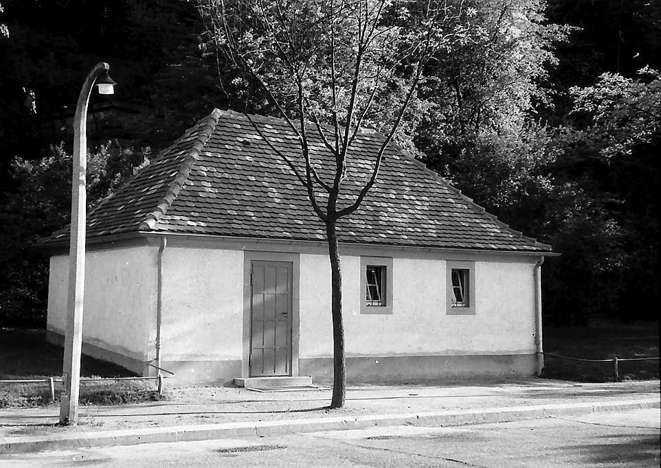 Freiburg i. Br.: Umformhäuschen am Bahnhof Wiehre, Bild 1