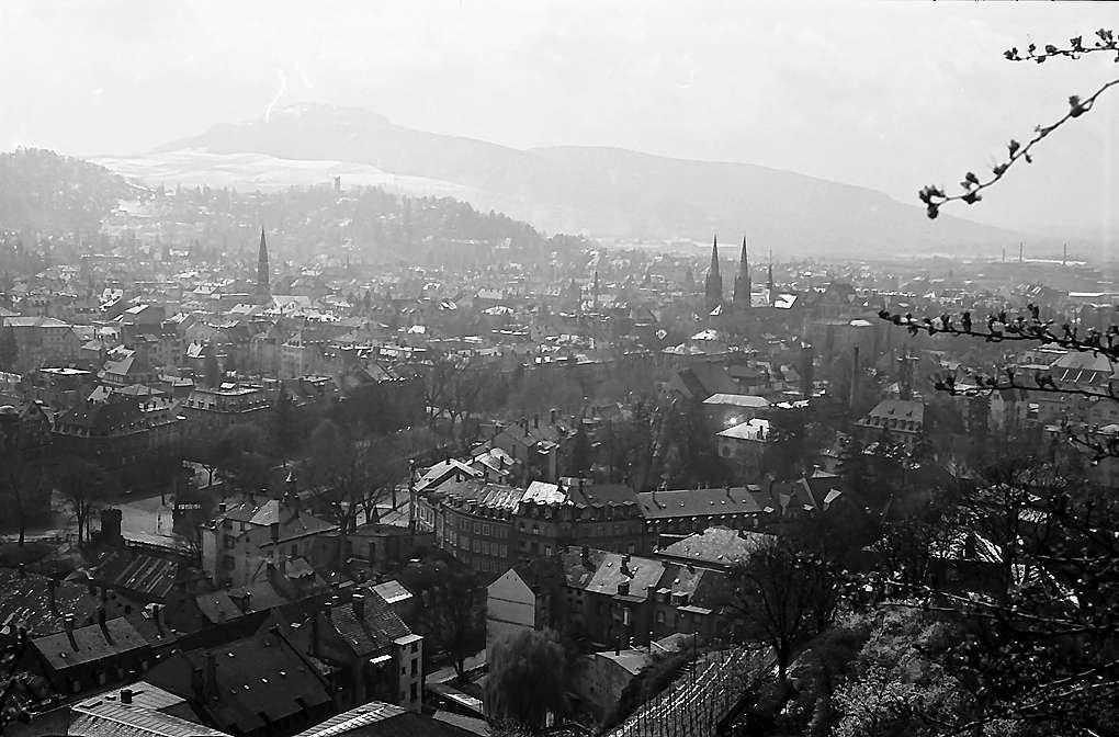 Freiburg i. Br.: Blick vom Schlossberg auf Wiehre und Schönberg, Bild 1