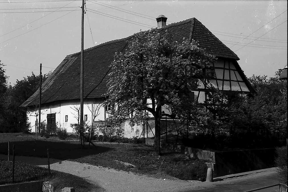 Freiburg i. Br.: Fachwerkbauernhaus in Zähringen, Bild 1