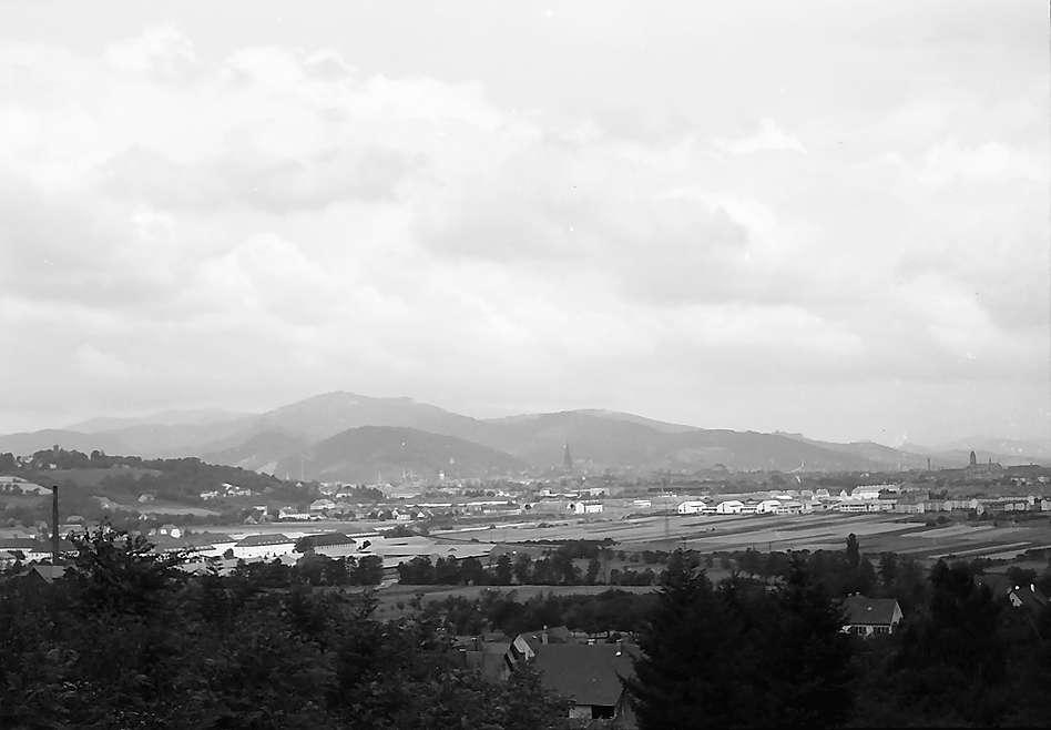 Freiburg i. Br.: Blick von den Weinbergen in St. Georgen auf die Freiburger Bucht, Bild 1