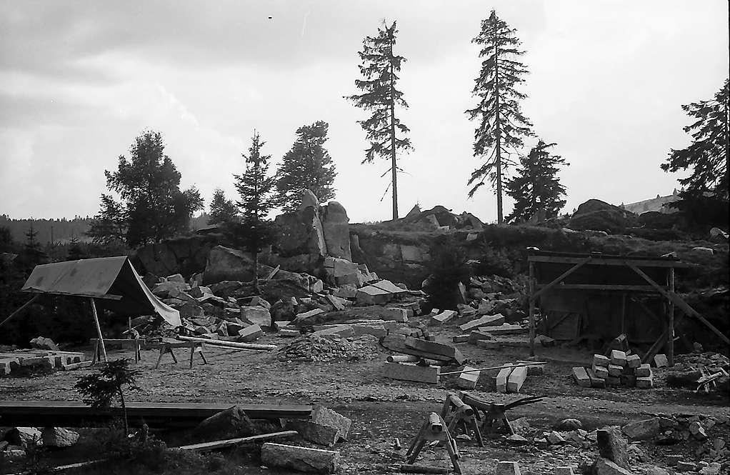 Kleiner Steinbruch in Blasiwald, Bild 1