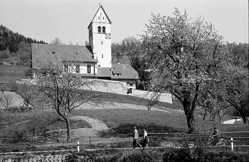 Evangelische Kirche auf der Höhe in Schönau, Bild 1