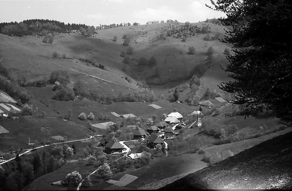 Blick in das Dorf Tunau, Bild 1
