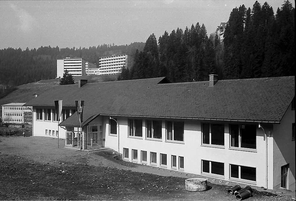 Die neue Schule und das Santorium Wehrawald in Todtmoos, Bild 1