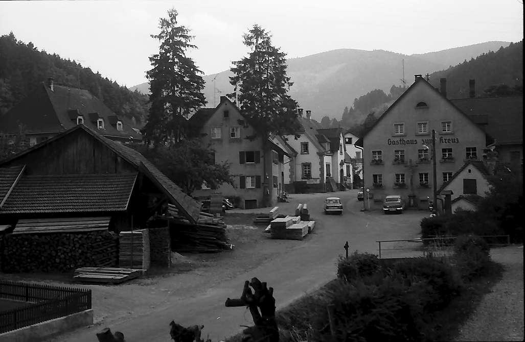 Dorfstraße von Kappel mit Schauinsland, Bild 1