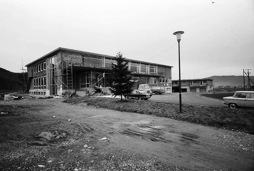 Das neue Kurhaus in Hinterzarten vor der Vollendung von außen, Bild 1
