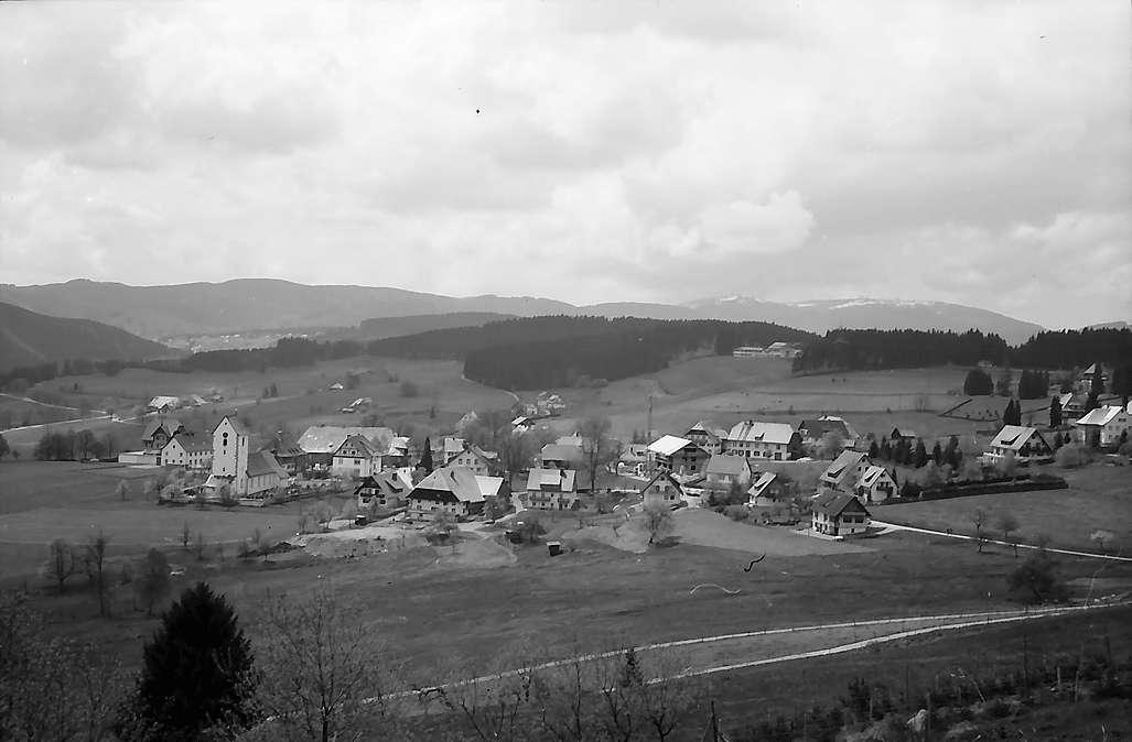 Blick vom Hochfirsthaus auf Saig, Bild 1