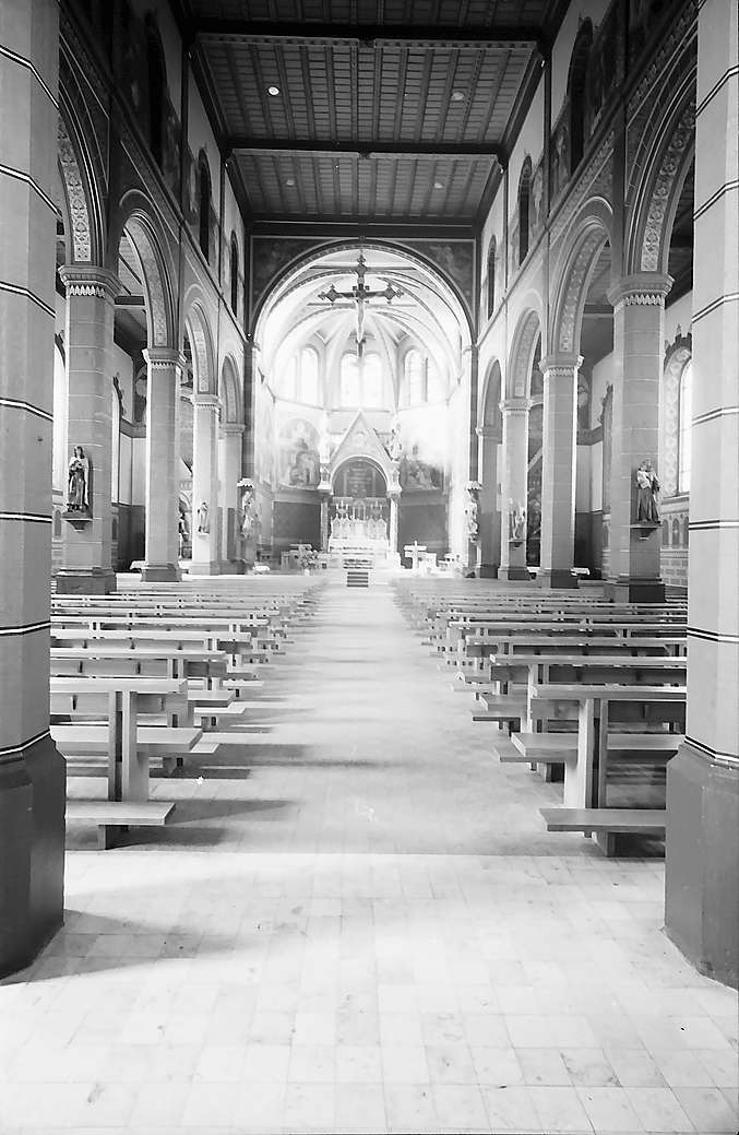 Inneres der restaurierten Kirche St. Peter und Paul in Bonndorf, Bild 1