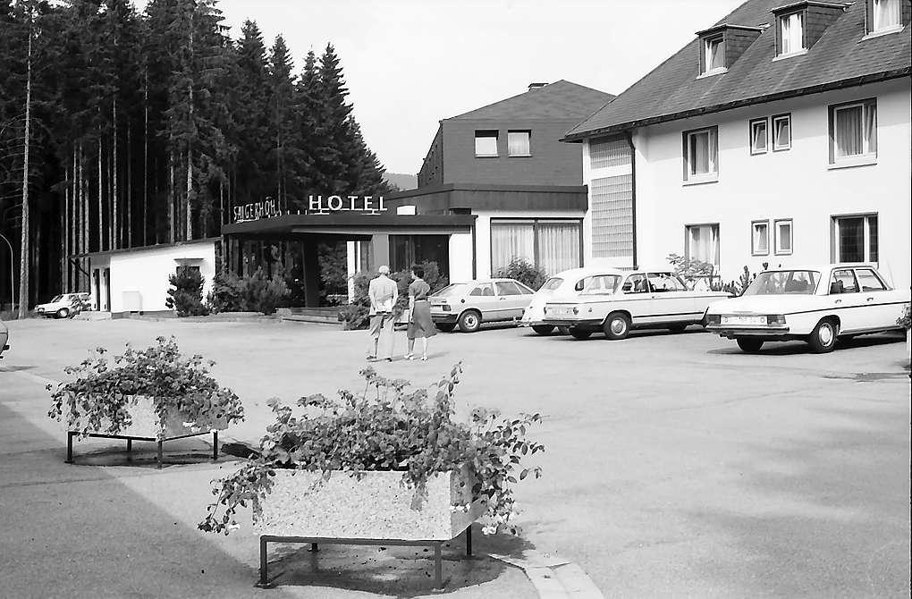 Hoteleingang in Saig, Bild 1