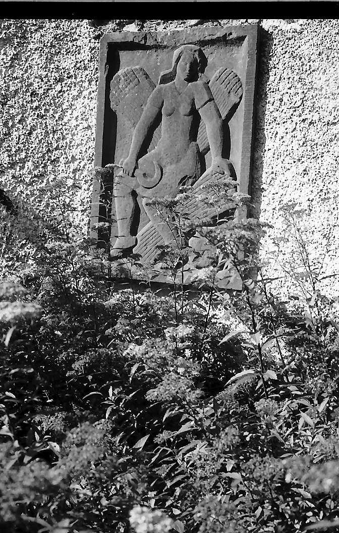 Relief an der Schlossmauer in Bonndorf, Bild 1