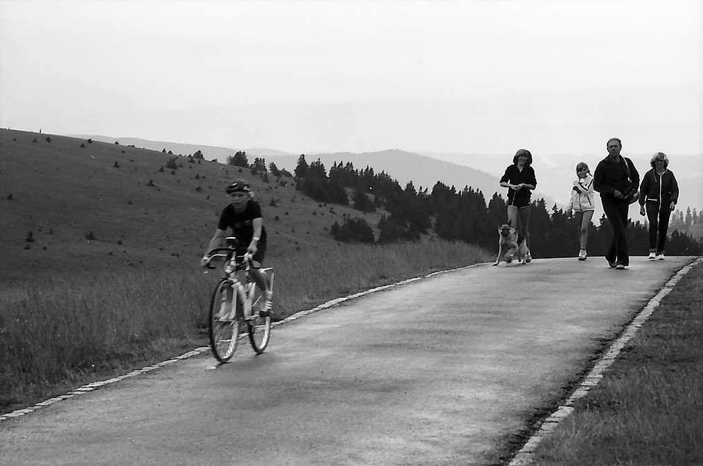 Radfahrer auf dem Feldbergsattel, Bild 1