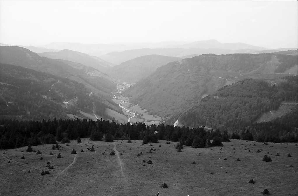 Blick vom Fernsehturm auf dem Feldberg ins Wiesental, Bild 1