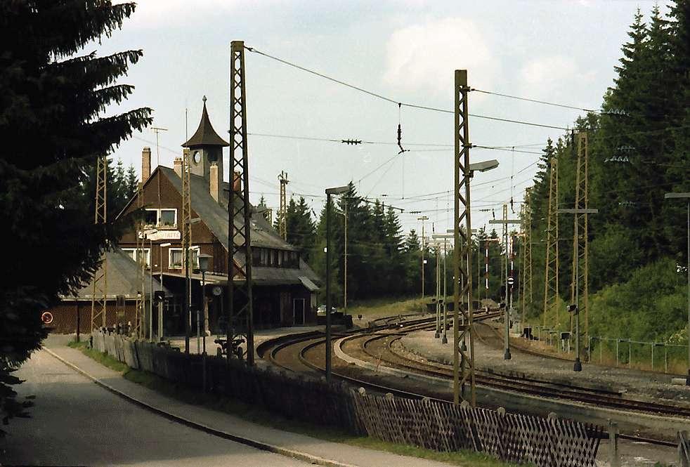 Bahnhof Feldberg-Bärental mit Zug, Bild 1