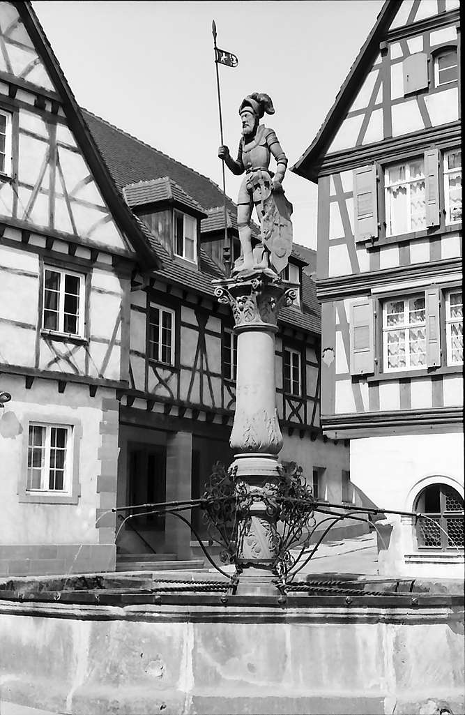 Bretten: Brunnenfigur, Bild 1