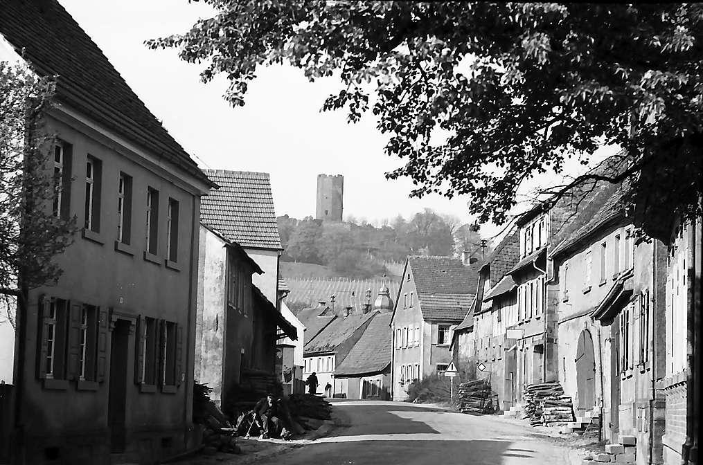 Weiler: Ruine Steinsberg, Bild 1
