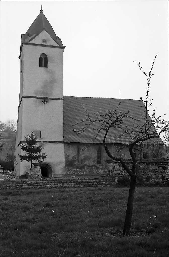 Neudenau: St. Gangolf-Kapelle von der Seite, Bild 1