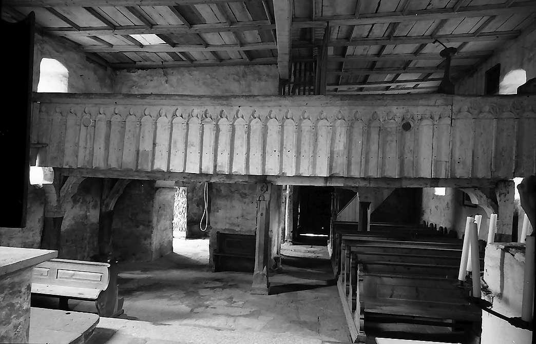Neudenau: Kirchenraum und Empore der St. Gangolf-Kapelle, Bild 1