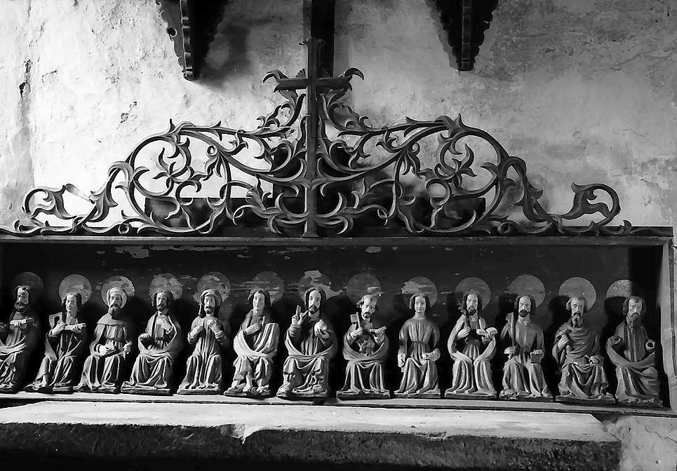 Neudenau: Fragmente der Apostelfiguren am Altar der St. Gangolf-Kapelle, Bild 1