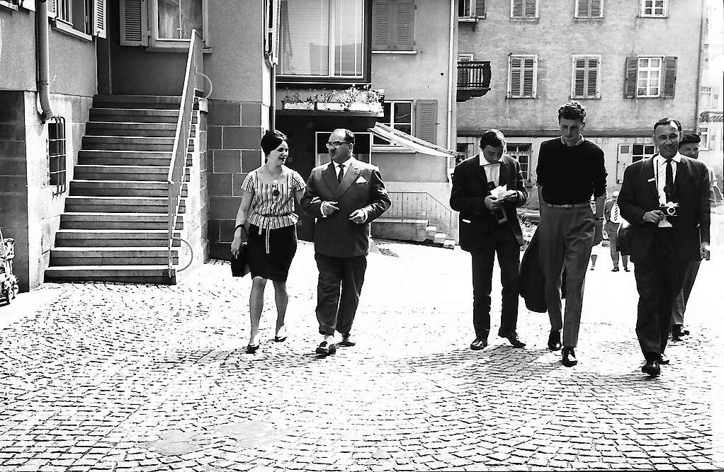 Weinsberg: Der Bürgermeister und Teilnehmer der Bürgerstraßenfahrt auf der Straße, Bild 1