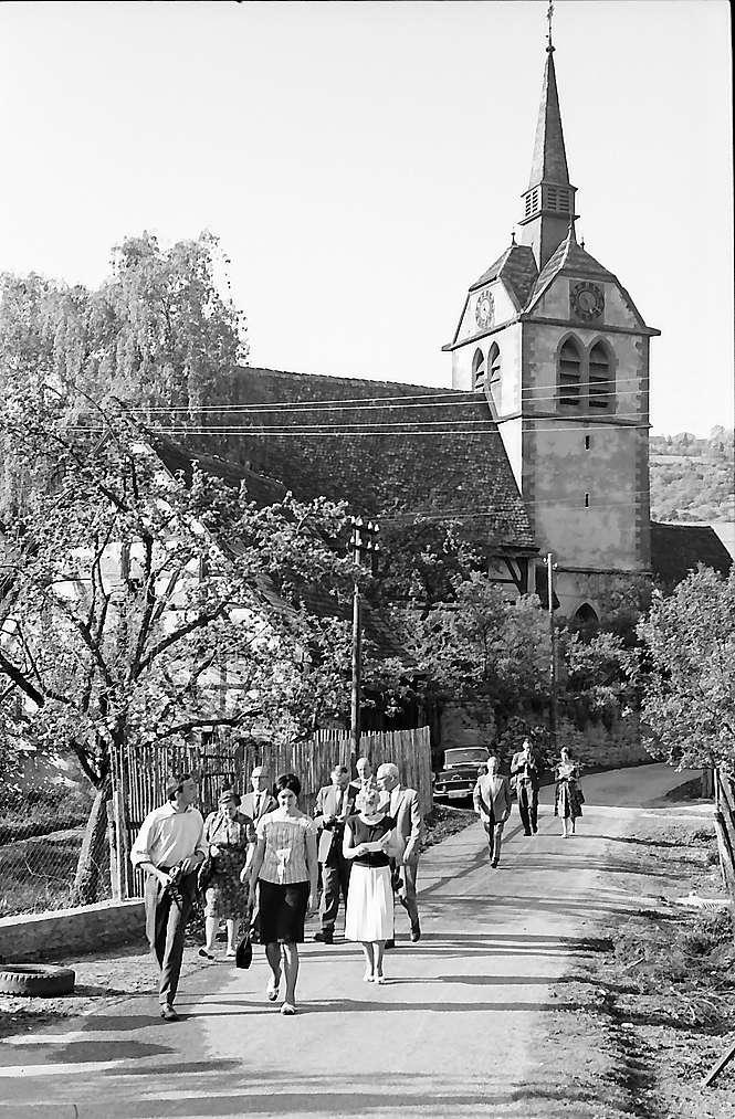 Bächlingen: Kirche, Bild 1