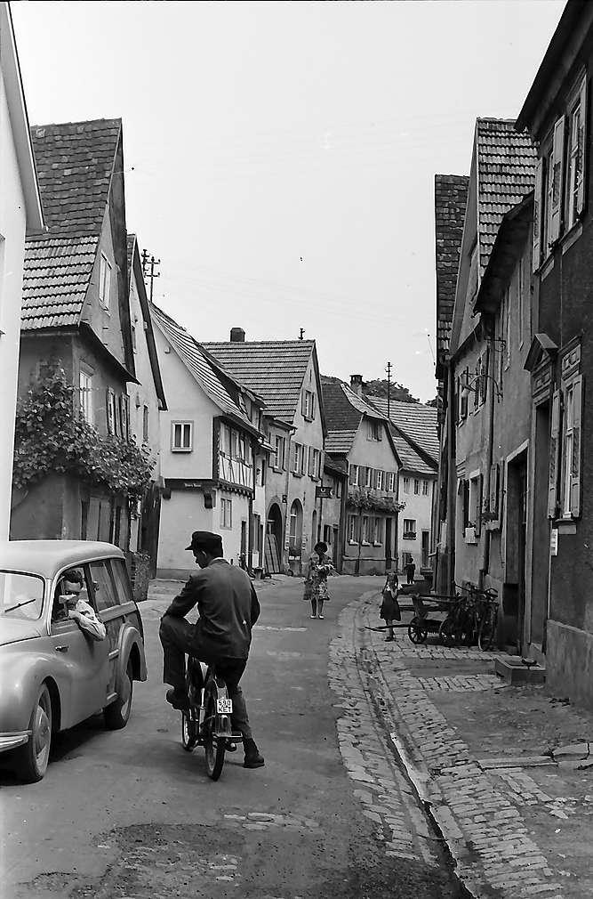 Tauberbischofsheim: Straße zum Schloss, Bild 1