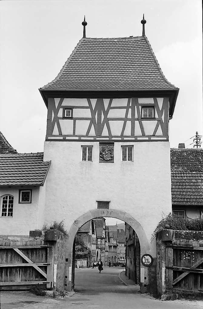 Lauda: Altes Stadttor, Bild 1