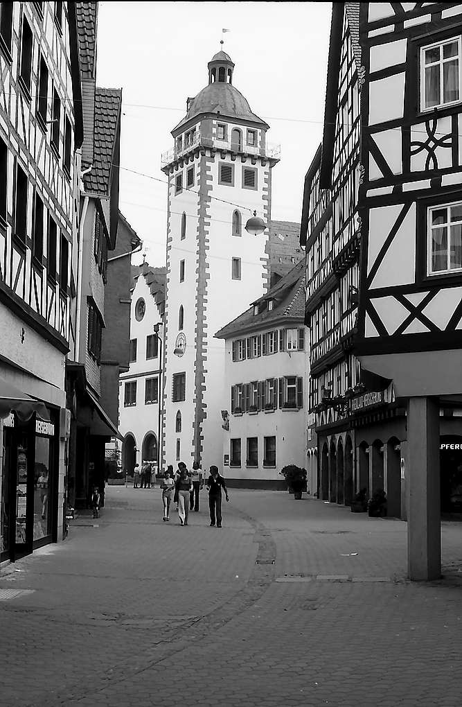 Mosbach: Fußgängerzone mit Rathaus, Bild 1