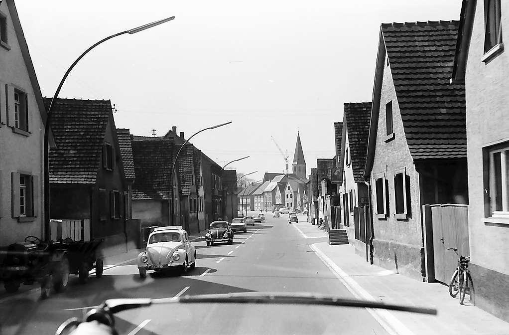 Eggenstein: Ortsdurchfahrt, Bild 1