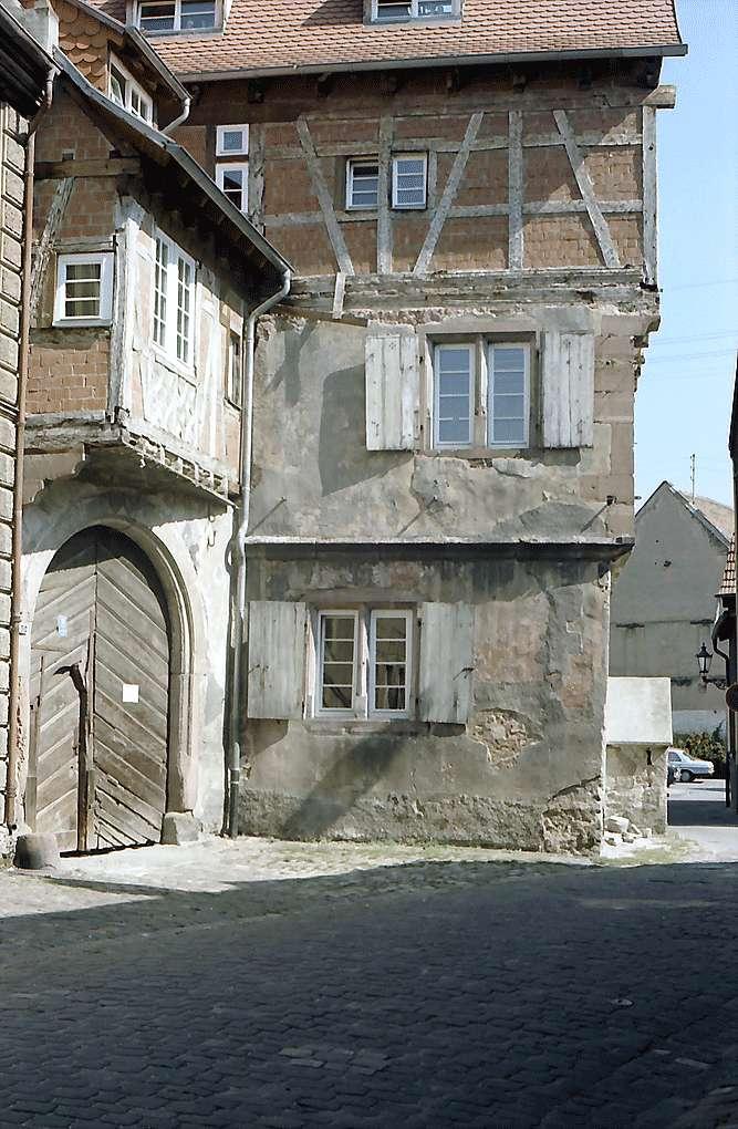 Ladenburg: Altes Fachwerkhaus, Bild 1