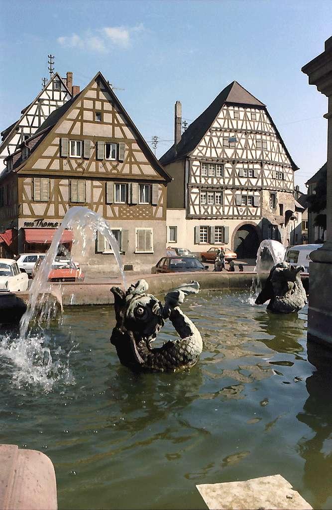 Ladenburg: Marktbrunnen, Bild 1