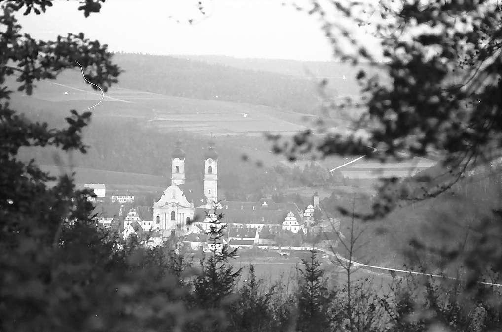 Zwiefalten: Klosteransicht aus der Höhe, Bild 1
