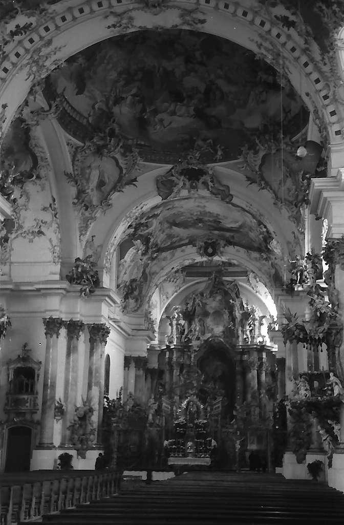 Zwiefalten: Gesamtansicht des Klosterinnenraumes, Bild 1