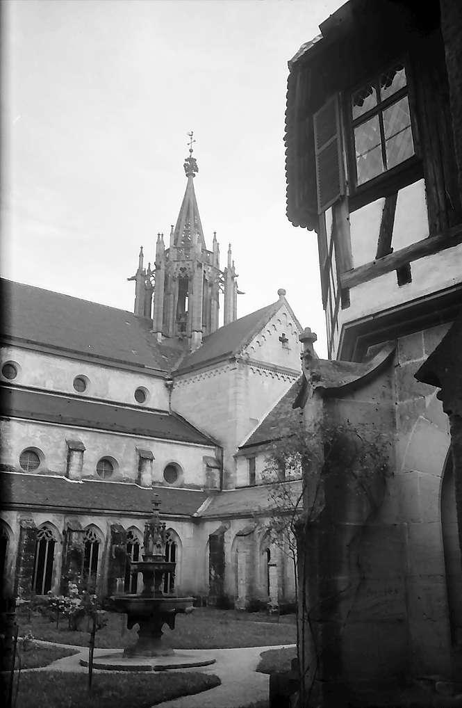 Tübingen-Bebenhausen: Blick auf die Kirche vom Kreuzgang, Bild 1