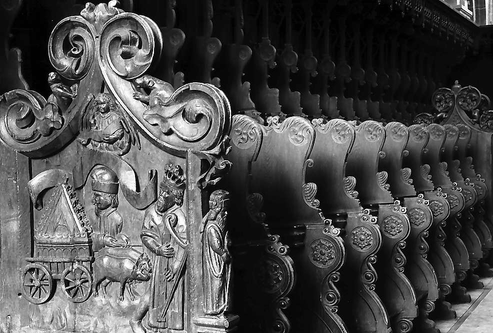 Maulbronn: Schnitzereien am Chorgestühl des Klosters, Bild 1