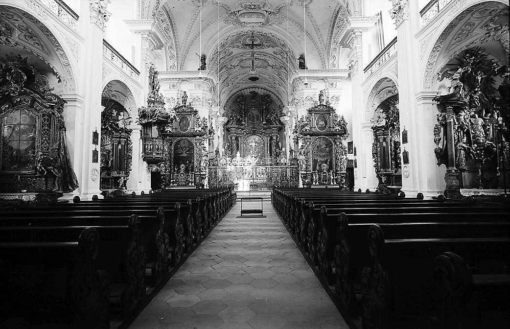 Obermarchtal: Innenansicht der Schlosskirche, Bild 1