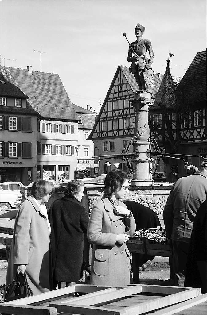 Öhringen: Marktbrunnen, Bild 1
