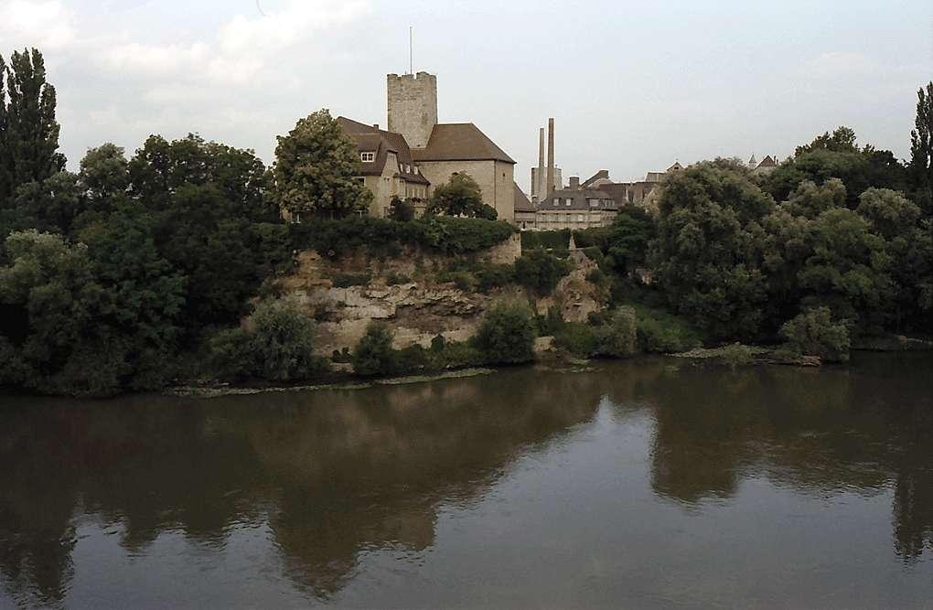 Lauffen: Bergfried der ehemaligen Burg, Bild 1