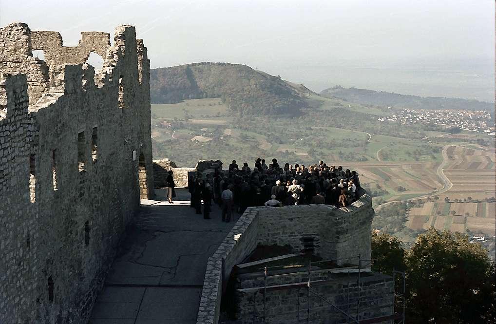 Neuffen: Kulturkreisgruppe auf der Burg, Bild 1