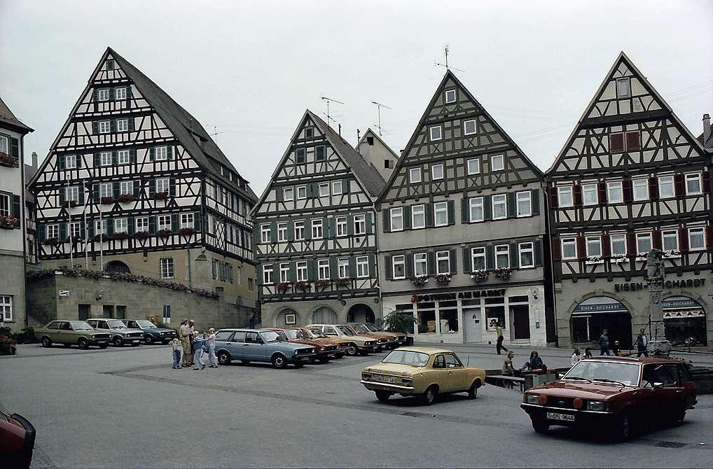 Herrenberg: Marktplatz mit Fachwerkhäusern, Bild 1