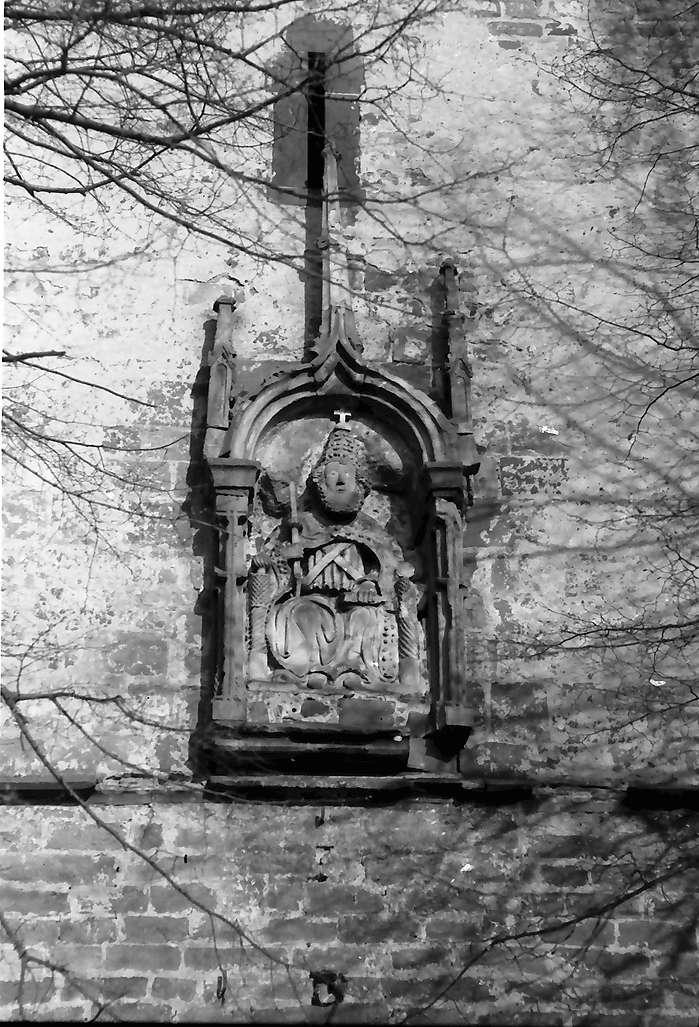 "Endingen: Altes Relief an der Peterskirche ""Petrus"", Bild 1"
