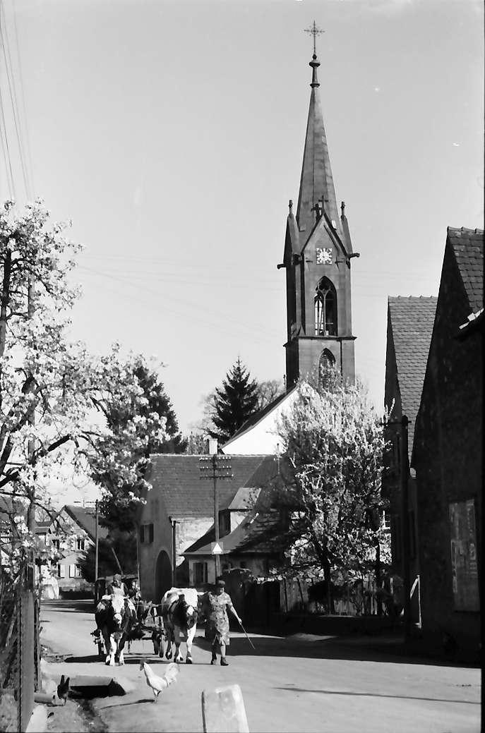 Buchheim: Dorfstraße und Kirche, Bild 1