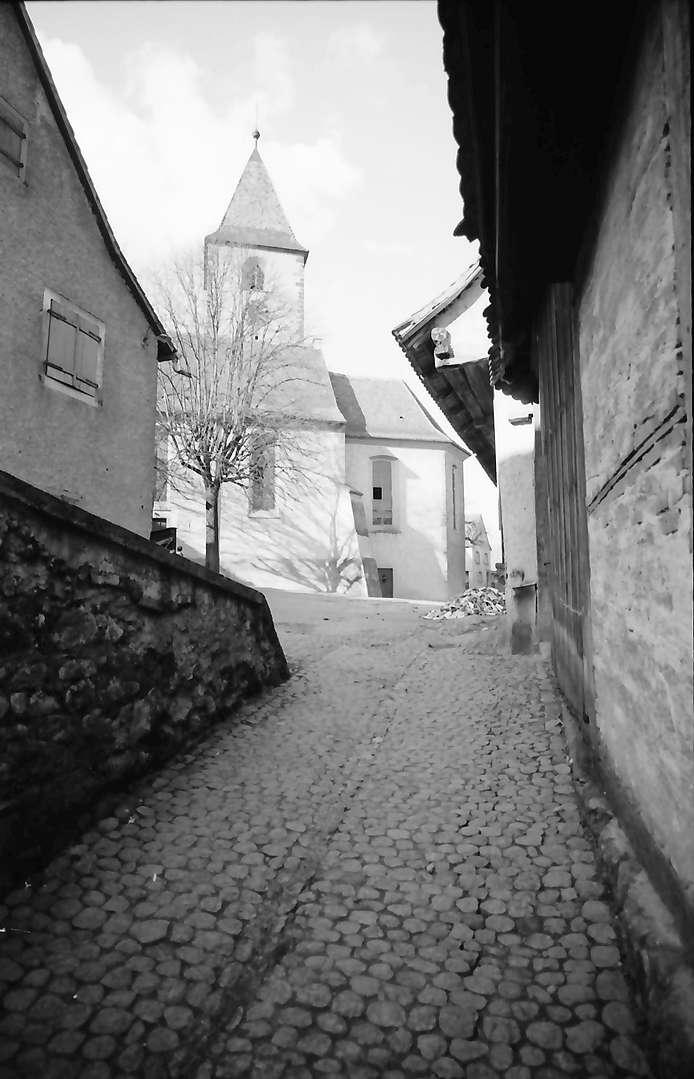 Burkheim: Wehrkirche, Bild 1