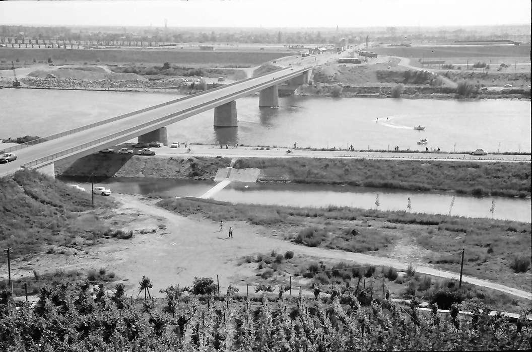 Brreisach: Neue Rheinbrücke, Bild 1