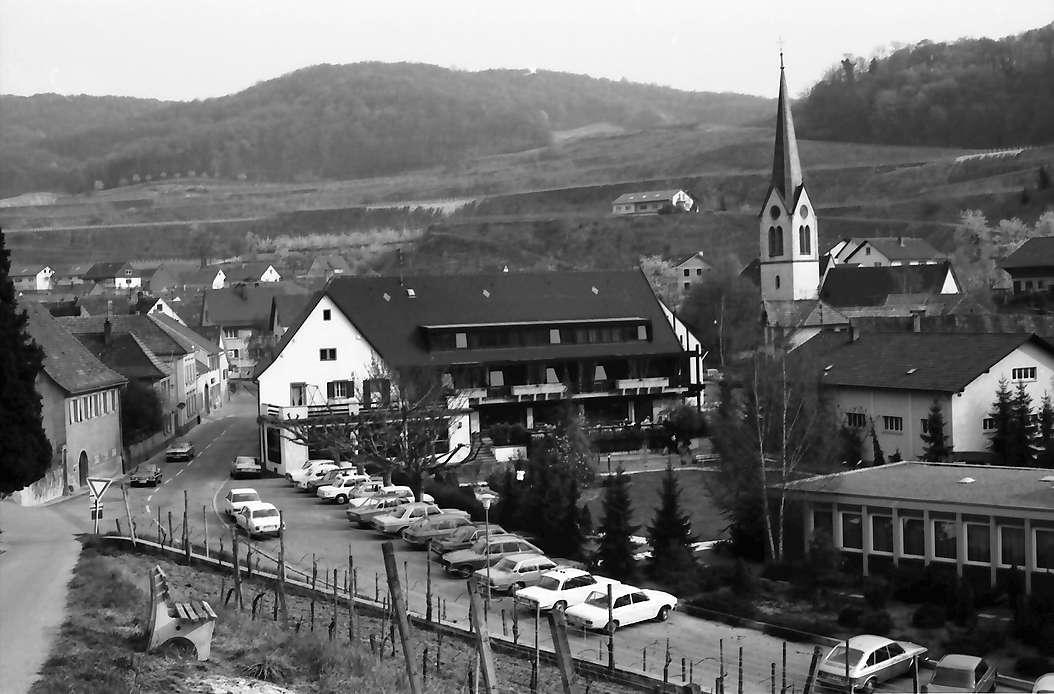 """Bickensohl: Gasthaus """"Rebstock"""" vom Weinberg, Bild 1"""