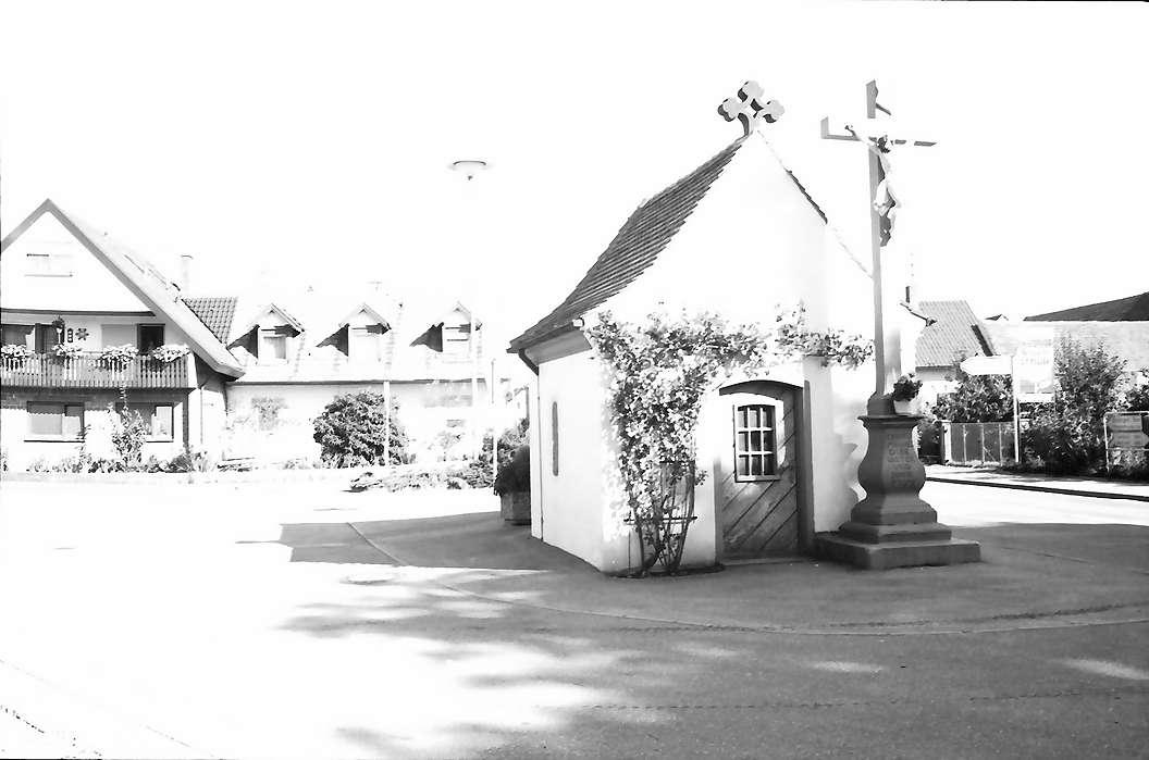 Wyhl: Kapelle in der Endinger Straße mit Kruzifix, Bild 1