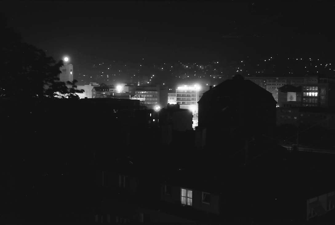 Stuttgart: Vom Fenster des Hotel Kronen, Nacht, Bild 1