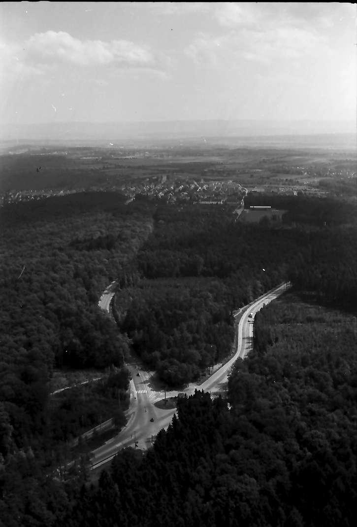 Stuttgart, Degerloch: Blick vom Fernsehturm auf Wald nach Süden, Bild 1