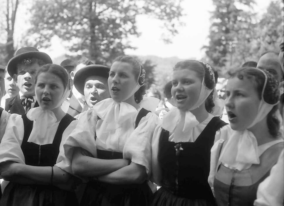 Lörrach: Gruppe beim Singen, Bild 1